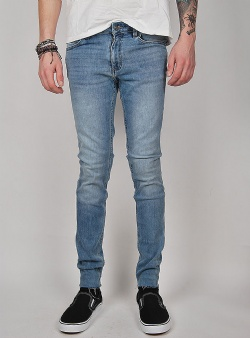 Cheap Monday Him spray DIY blue