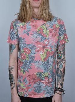 Revolution Tropical print tee Red