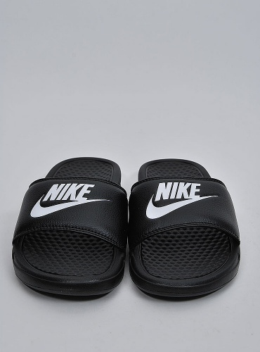 quality design 71ba6 4f304 Nike Sneakers Benassi JDI