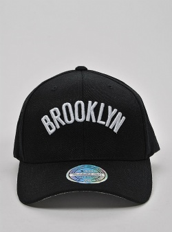 Mitchell and Ness Courtside 2 110 flexfit snapback Black