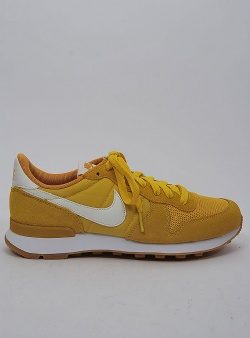 Nike Internationalist womens Vivid sulfur sail