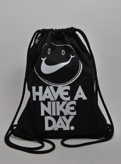 Nike Heritage gymsack have a Nike day Black