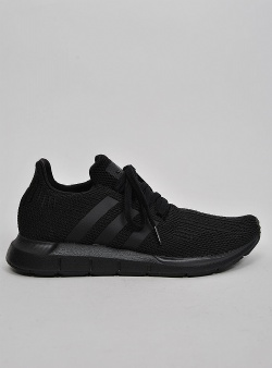Adidas Swift run Cblack cblack ftwwht