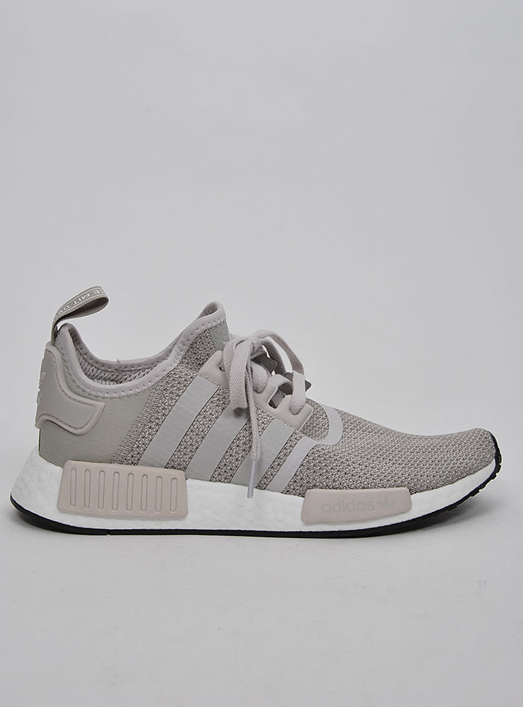 Adidas NMD R1 Sneakers på Sportif Unlimited