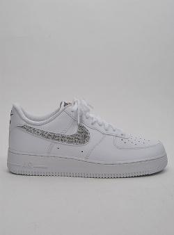 newest 67020 273f3 Skor Balance från New Fila Adidas sneakers Nike Reebok och V