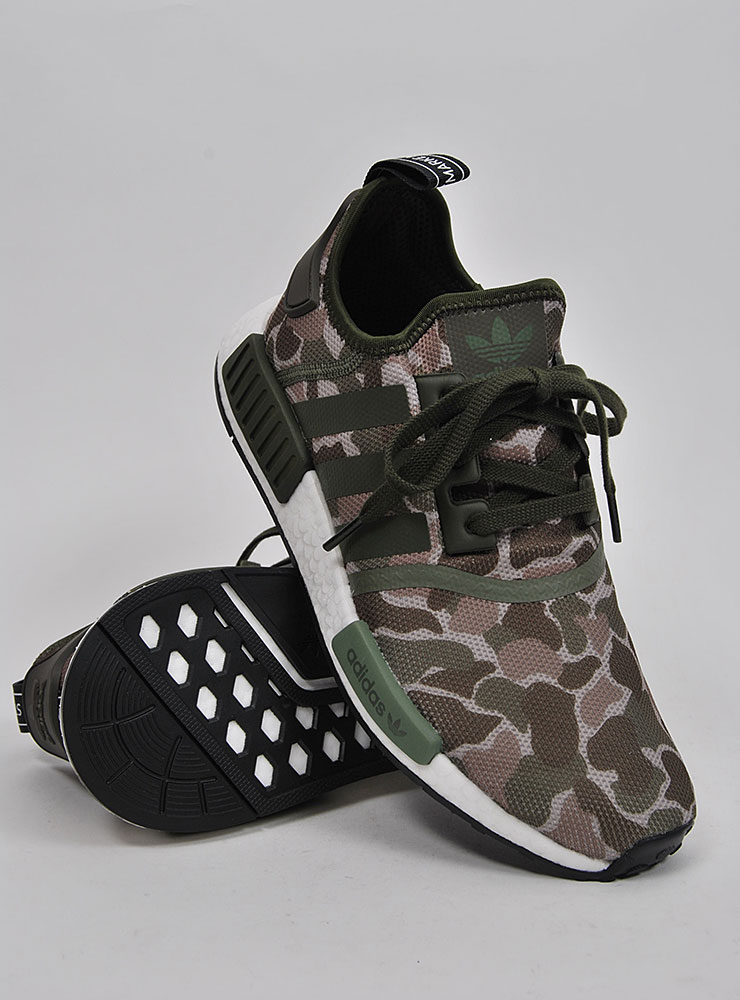 Adidas NMD R1 Camo Sneakers på Sportif Unlimited