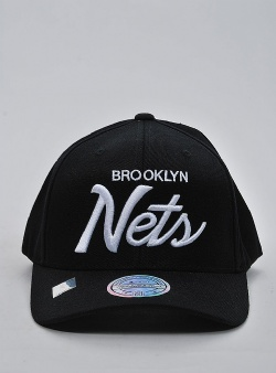 Mitchell and Ness Classic script 110 snapback broolyn nets Black