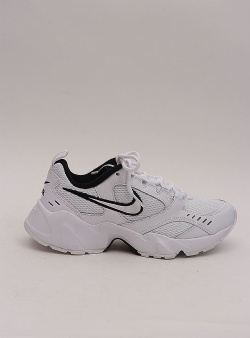Nike Air heights womens White white black